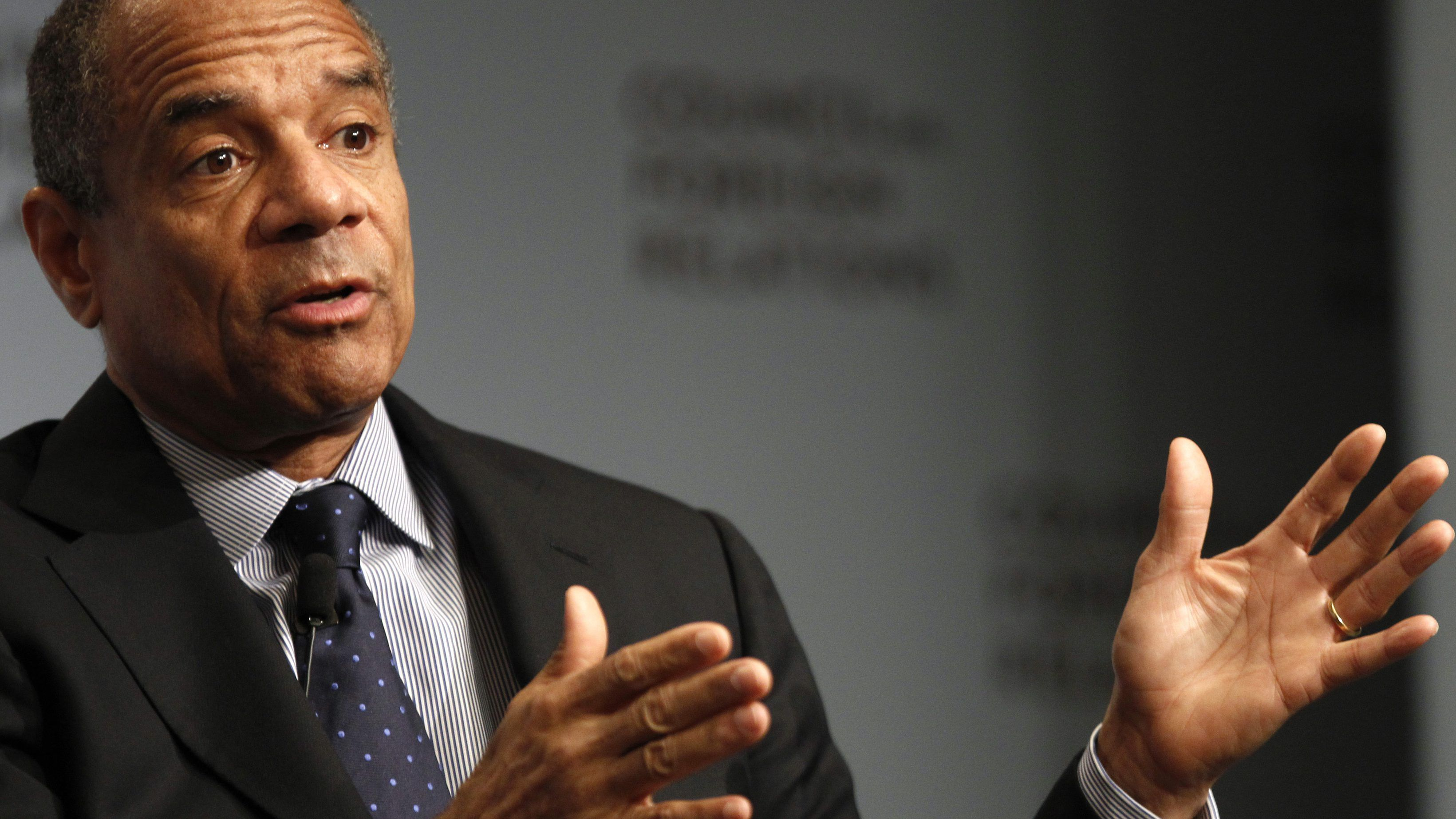 Facebook names Amex CEO Kenneth Chenault